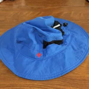 Columbia bucket hat in blue youth size